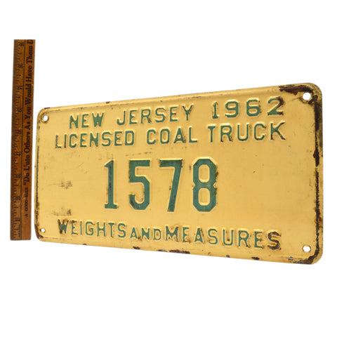 "Vintage 1962 ""COAL TRUCK"" N.J LICENSE PLATE No. 1578 ""WEIGHTS AND MEASURES"" Rare"