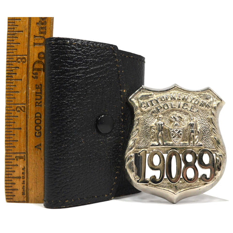 "Vintage OBSOLETE POLICE BADGE in Leather Case ""CITY OF NEW YORK"" #19089 Unsigned"