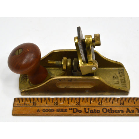 Stanley-like 'SMALL BRONZE SCRAPING PLANE' No 212 by LIE NIELSEN TOOLWORKS (L-N)