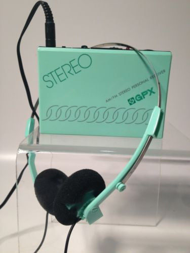 Stereo Gpx Transistor Radio Green With Belt Hook!!
