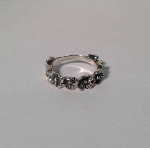 Sterling Silver Ring Band Of Flowers Size 6.75