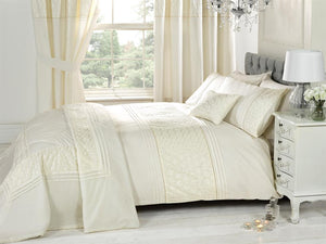 Everdean Luxury Bedding Set Cream