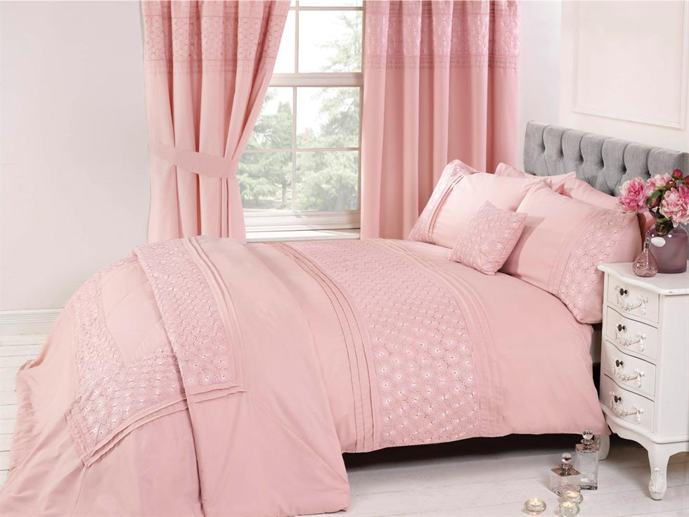 Everdean Luxury Bedding Set Pink