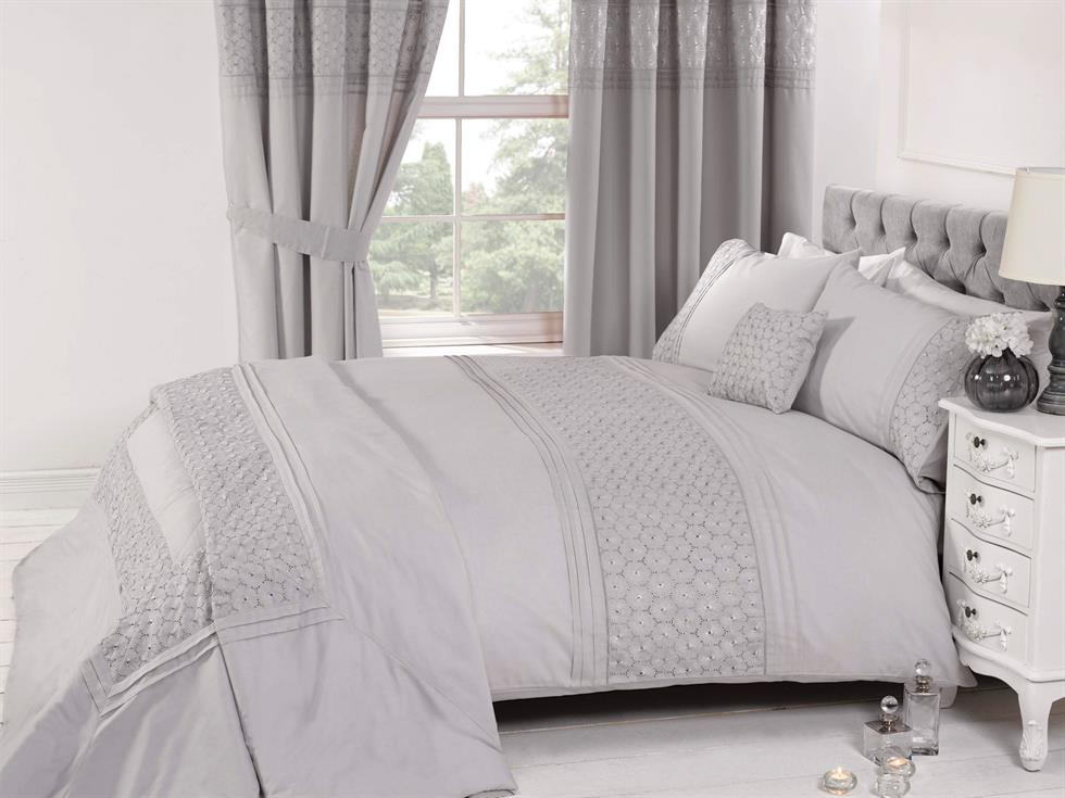 Everdean Luxury Bedding Set Silver