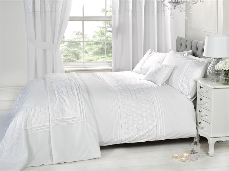 Everdean Luxury Bedding Set White