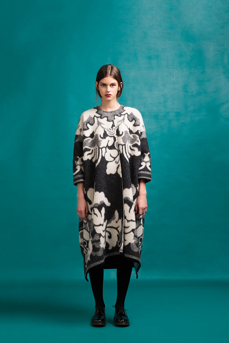 LFS DRAPED BLACK LILY COAT
