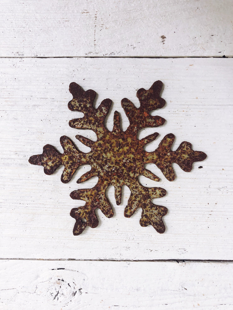 "Snowflake Shape / 4"" to 24"" tall / Rusty or Raw Metal"