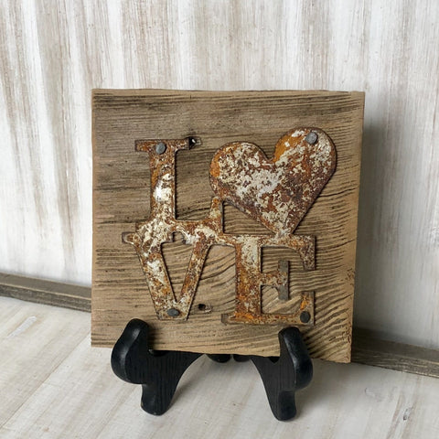 "Rusty Metal ""LOVE Heart"" on Rustic Reclaimed Cedar Wood - Ready to Hang - Primitive Farmhouse Sign"