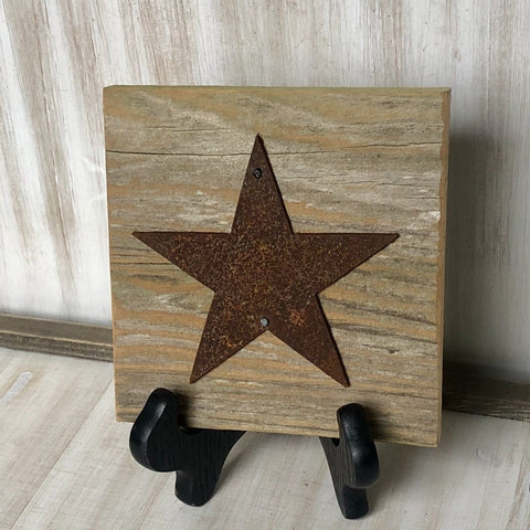 "Rusty Metal ""STAR"" on Rustic Reclaimed White Wash Cedar Wood - Primitive Farmhouse Sign"