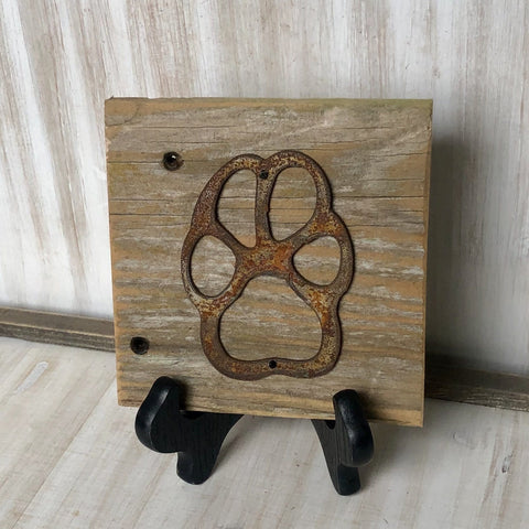 "Rusty Metal ""PAW PRINT"" on Rustic Reclaimed Cedar Wood - Ready to Hang - Primitive Farmhouse Sign"