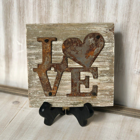 "Rusty Metal ""LOVE Heart"" on White Wash Rustic Reclaimed Cedar Wood - Primitive Farmhouse Sign"