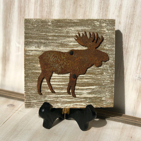 "Rusty Metal ""MOOSE"" on White Wash Rustic Reclaimed Cedar Wood - Primitive Farmhouse Sign"