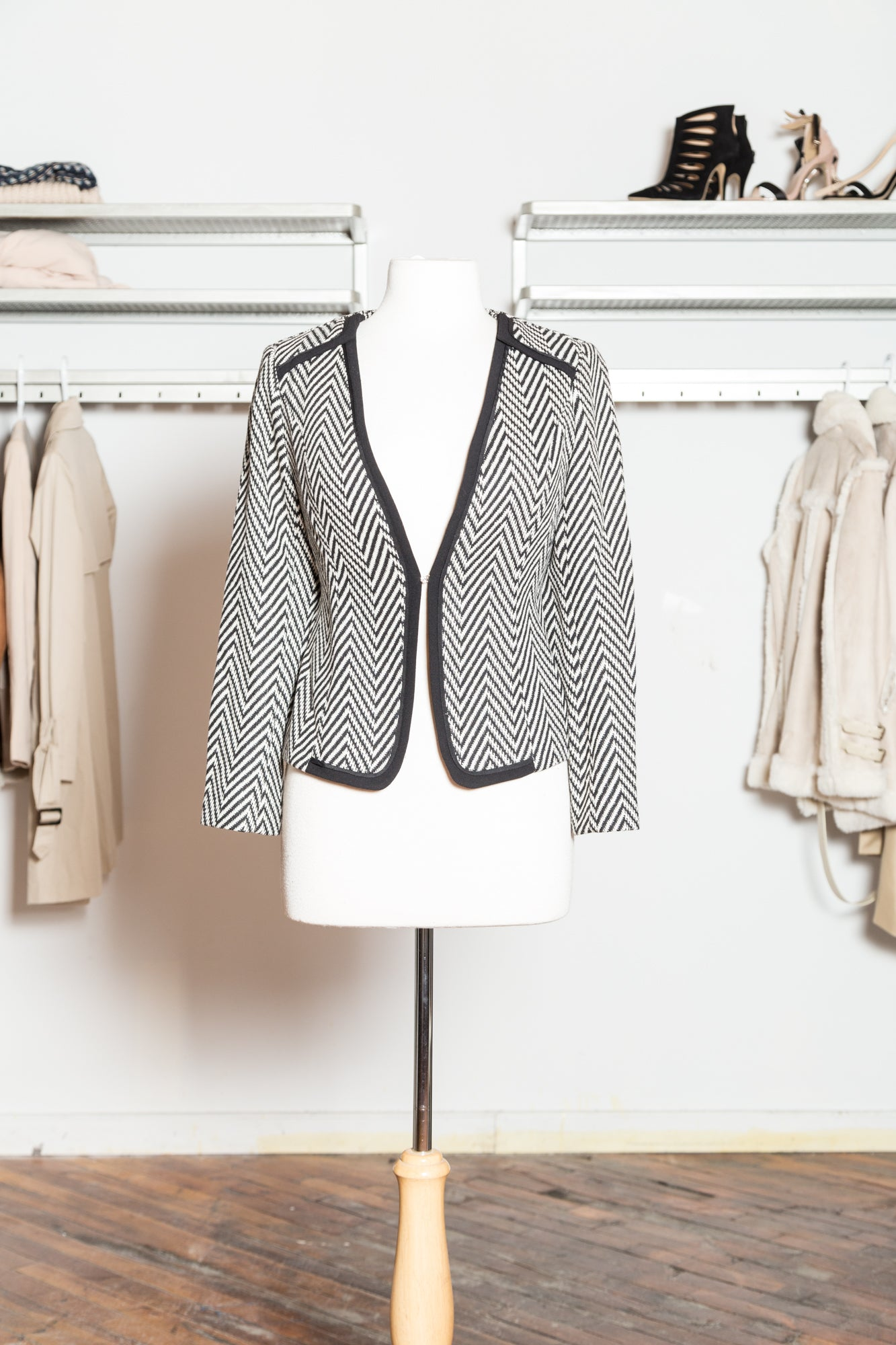 JACKIE Chevron Print Short Jacket