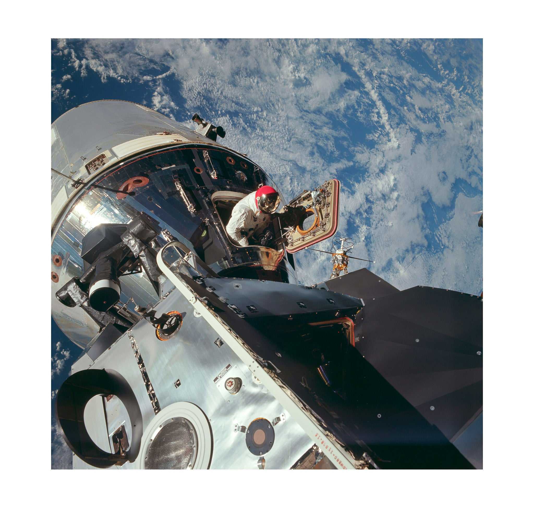 Apollo 9 – Open Hatch