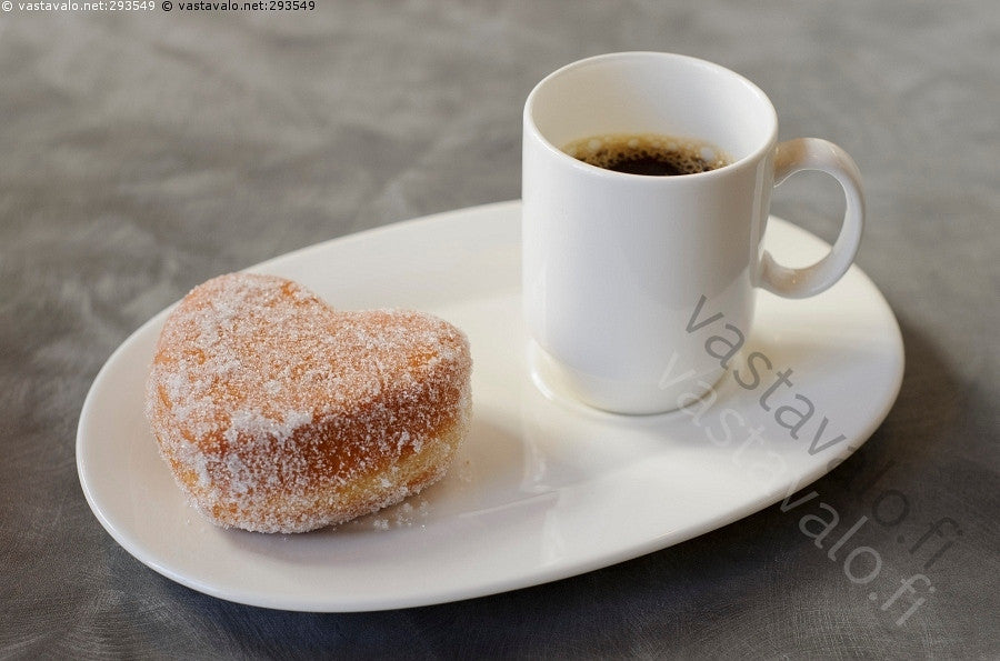 Berliner (hillomunkki) and coffee