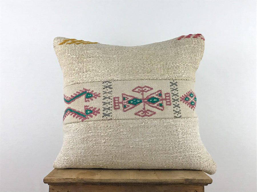 Hemp cream pattern cushion