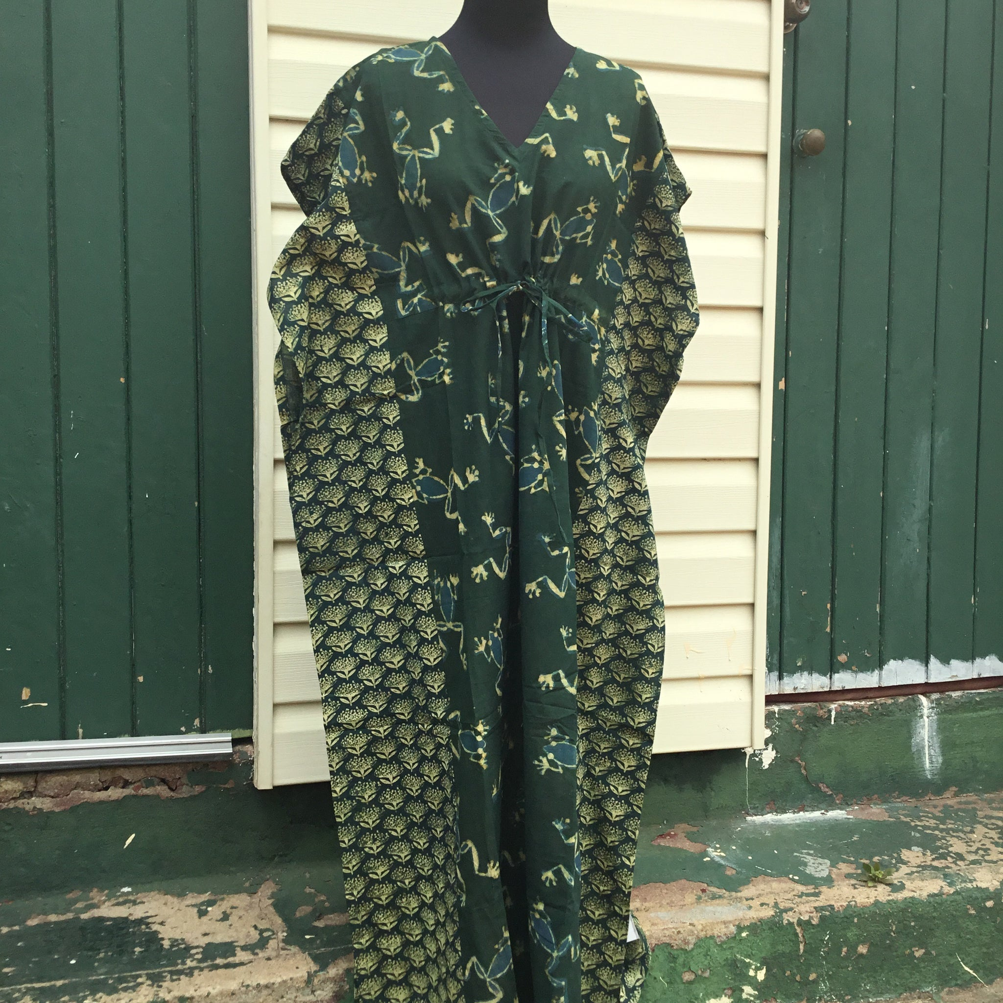 Fair Trade Long Kaftan (Green Frogs)