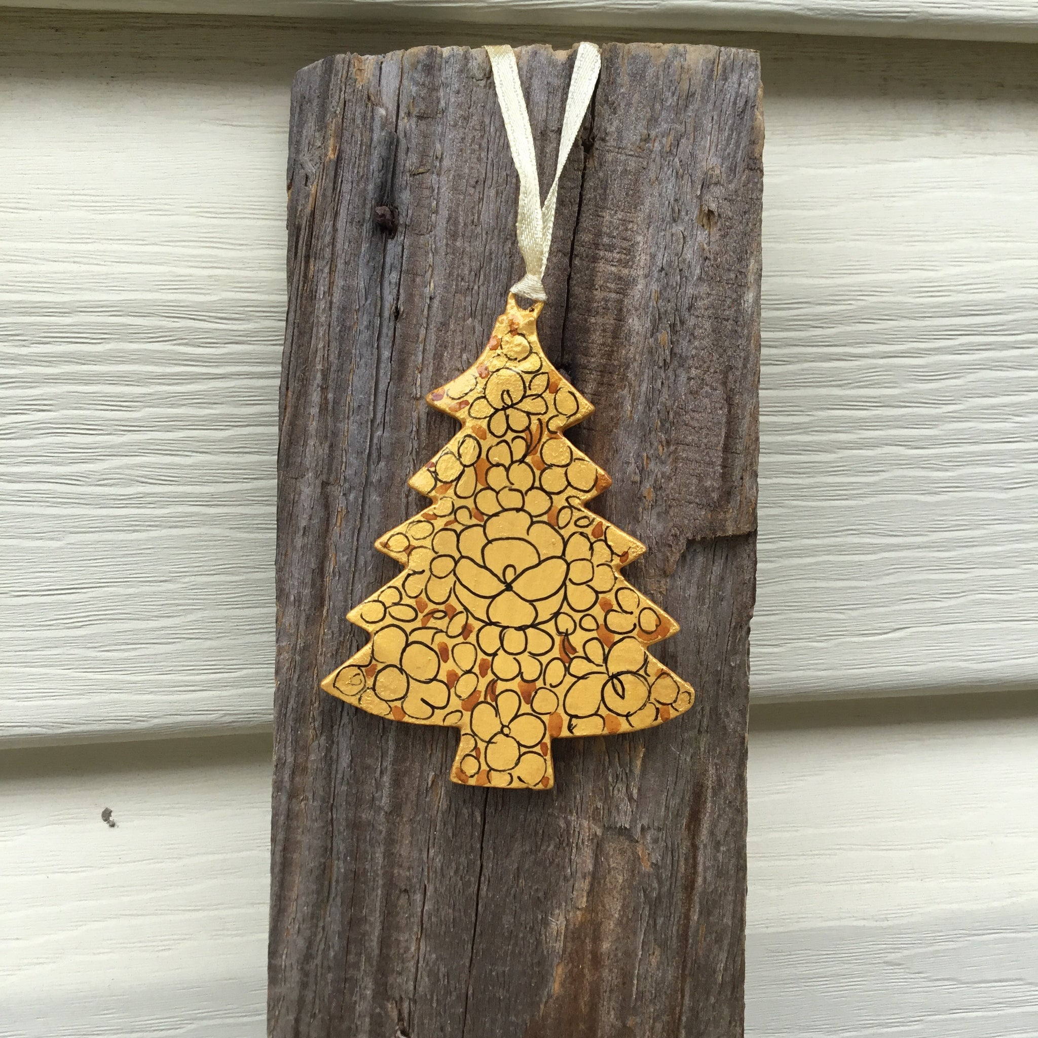 Fair Trade Ethical Christmas Decoration Gold Christmas Tree Small