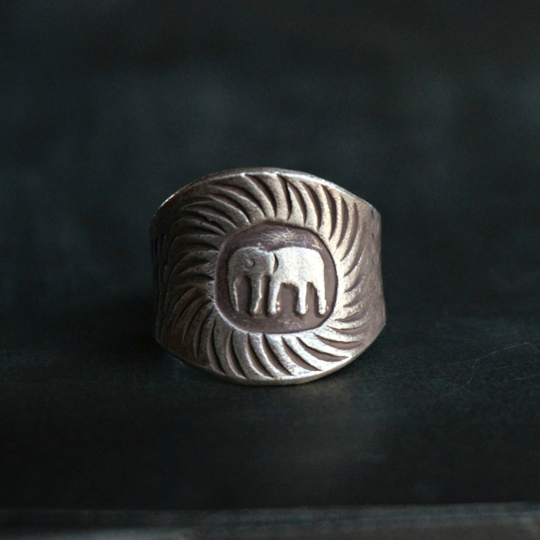 Nyles Silver Elephant Ring