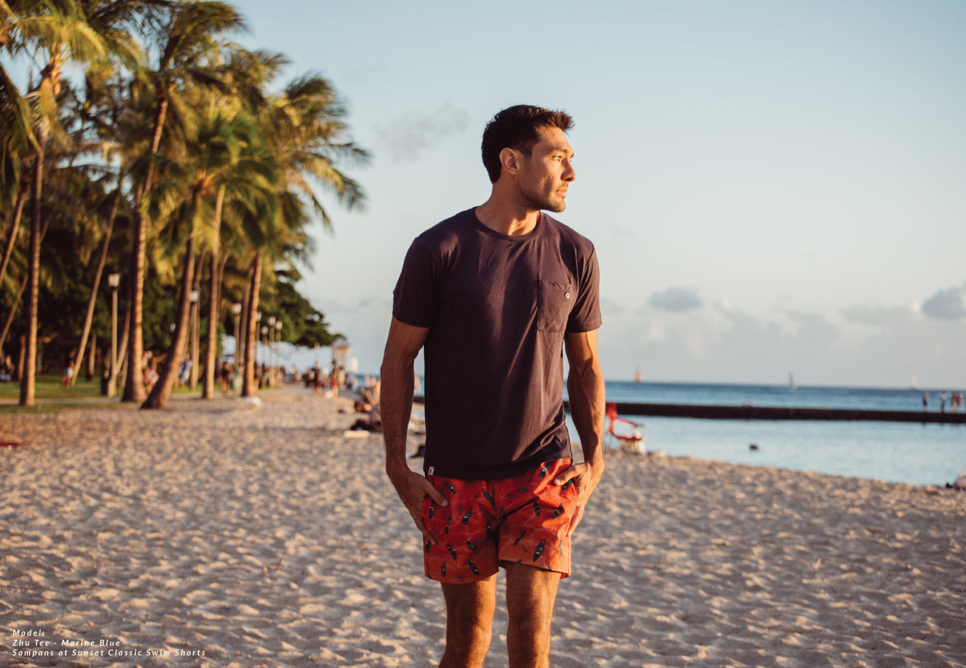 Bamboo T-shirt Marine blue with Sampans at Sunset at sunset walking on the beach