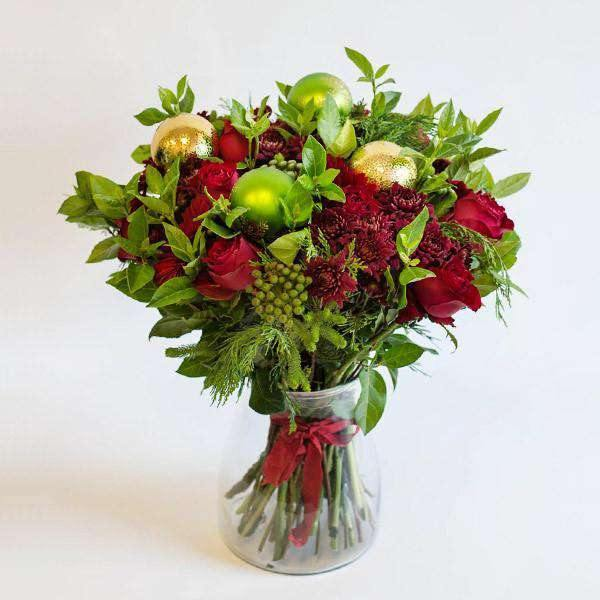 Christmas Flowers in a Glass Vase - Fabulous Flowers Cape Town Flower Delivery