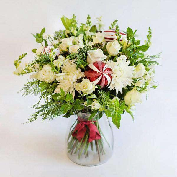 Whites & Reds in a Vase - Fabulous Flowers Cape Town Flower Delivery