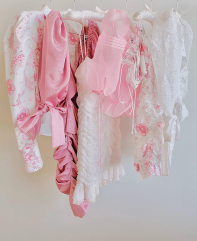 pink and white summer going out outfits
