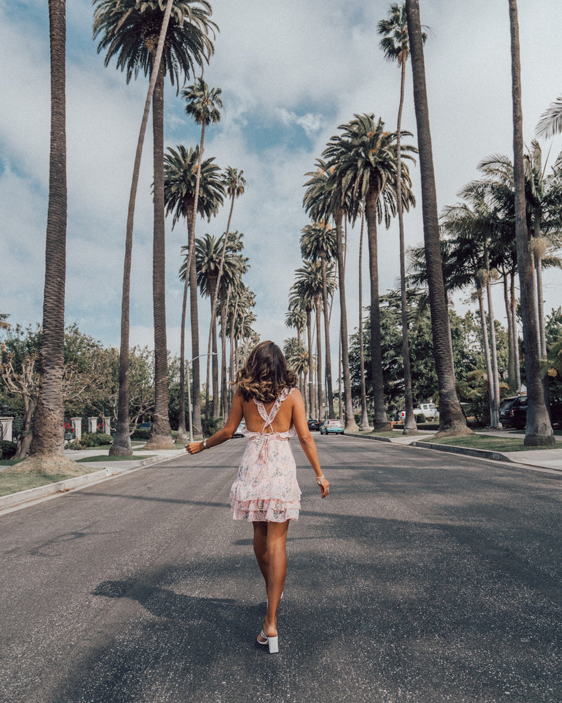 @maya_gypsy wanders the streets of Hollywood in the Sweet Escape pink floral dress.