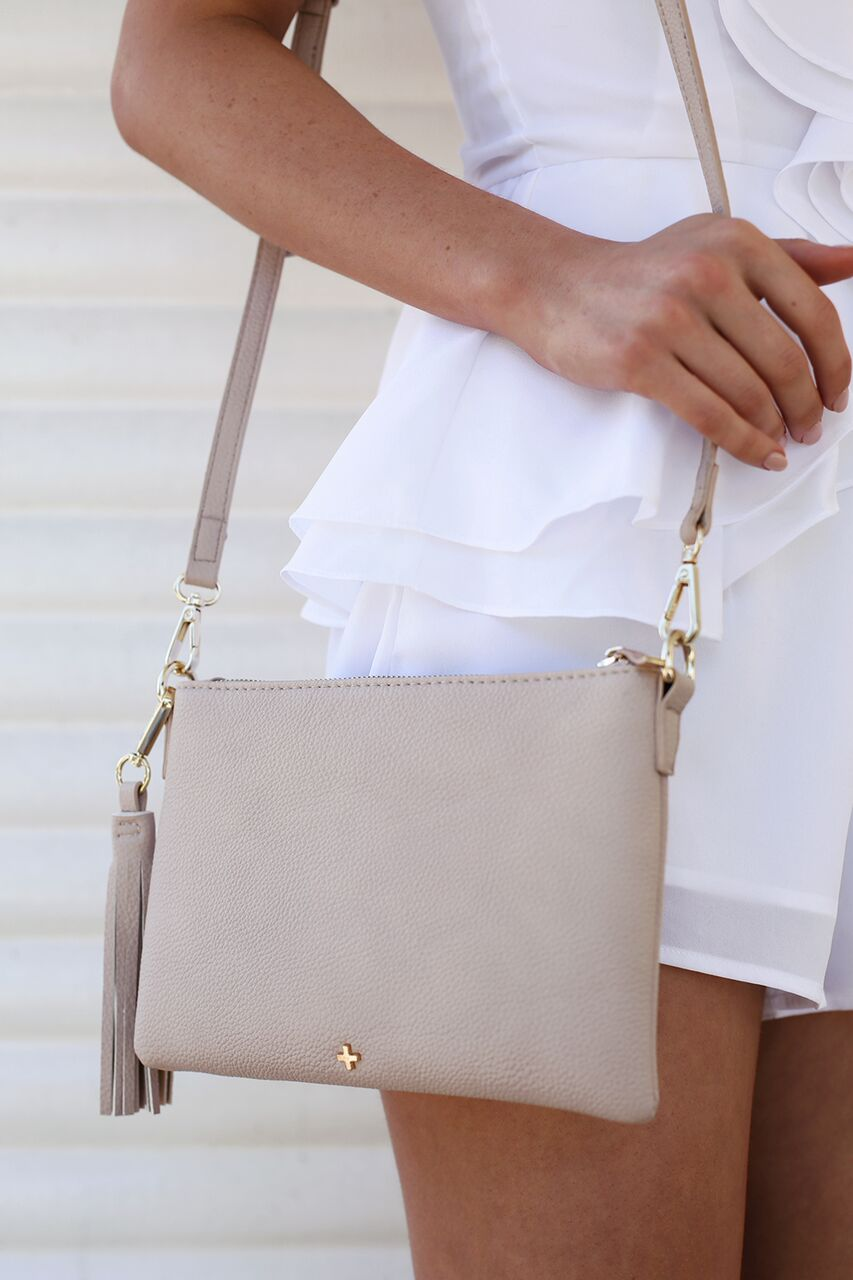 Kourtney Clutch in Nude