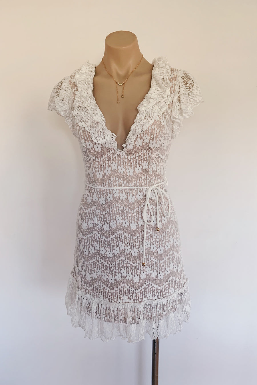 Carrie Dress in White - HER Empire Fashion Boutique Terrigal & Online
