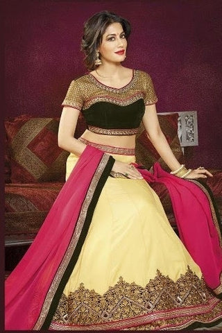 Womem in lehenga