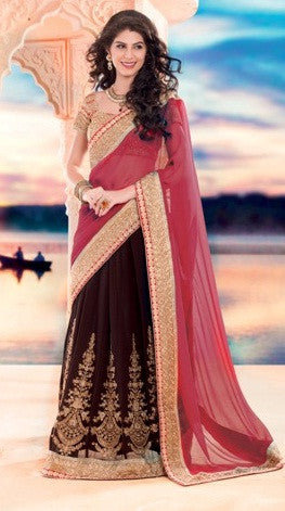 Women in lehenga sari