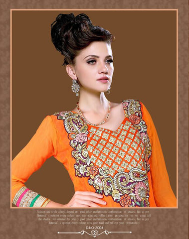 Women in mumtaaz suits