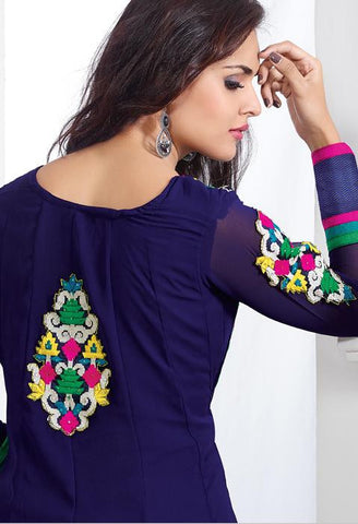 Women in Salwar Kameez