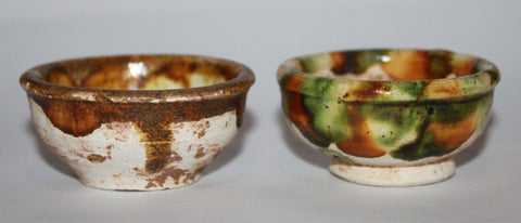 Two sans tzai glazed small cups. Tang Dynaty.