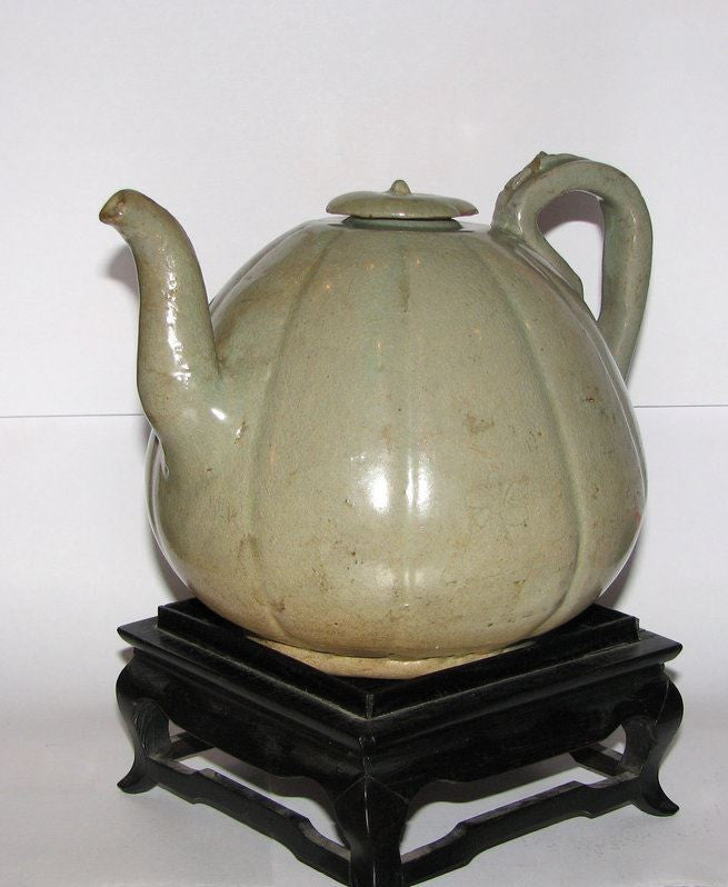 A rare Korean celadon ewer and cover. - asianartlondon