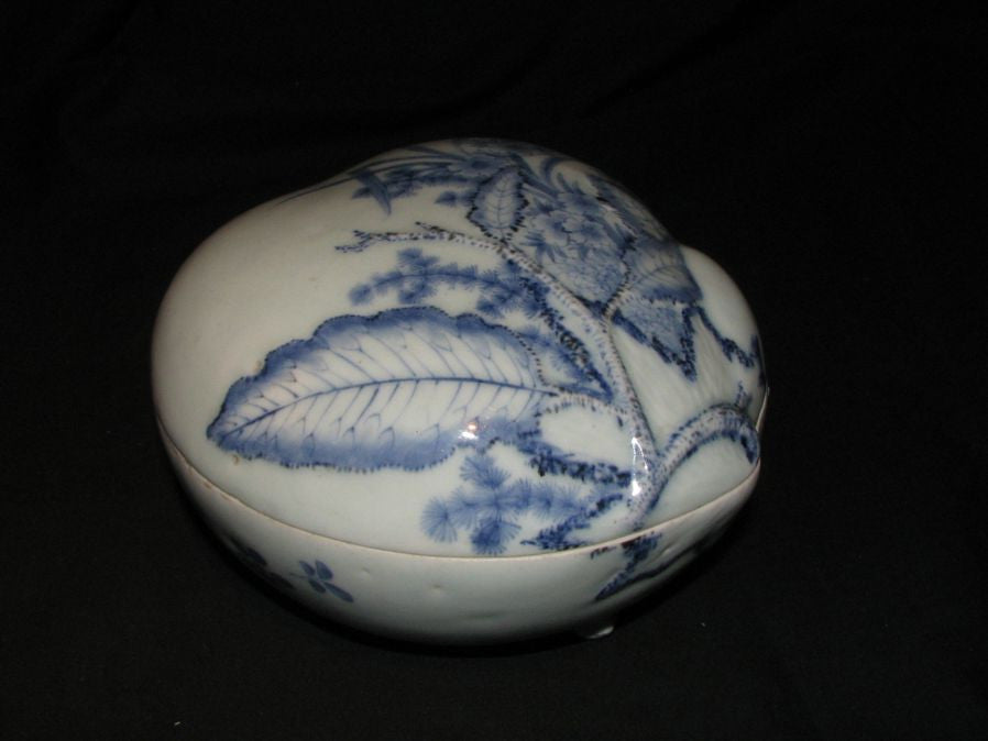 A rare Arita blue and white box and cover. - asianartlondon
