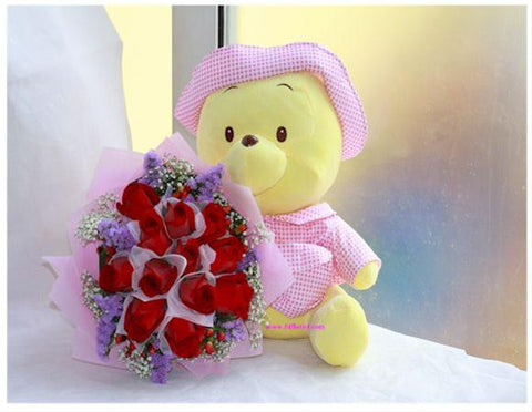 Cute Baby Pooh w Rose Bouquet     - BWF3548val