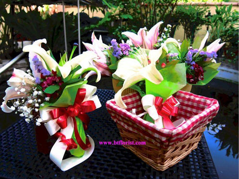 Small Lily Bouquet -  FBQ1037
