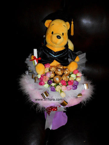 Graduation Pooh w Chocolate Bouquet  - BBQ2077