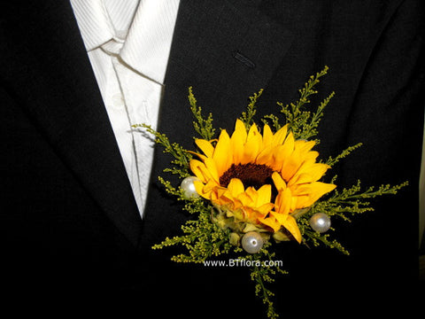 Sunflower corsage- WED0289