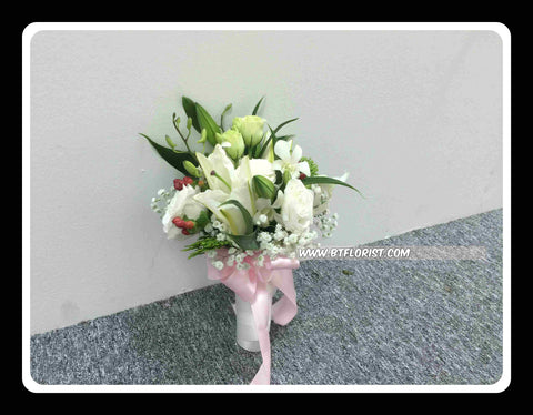 Simple Lily Bridal Bouquet  - WED0157