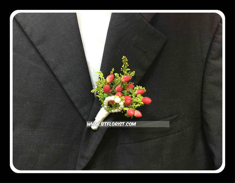 Berries Boutonniere - WED0332