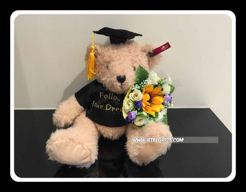 Graduation Bear   - BWF3629