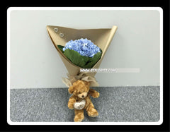 Bear with Hydrangea Bouquet    - BBQ1379