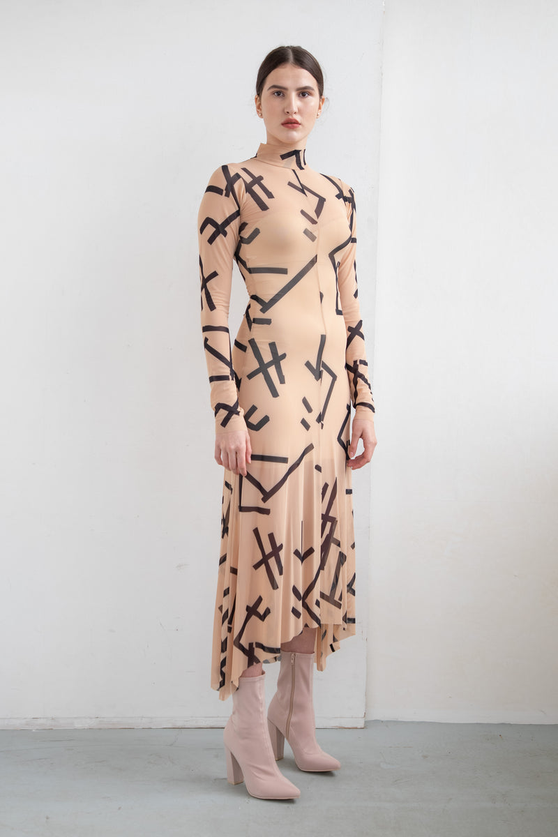 BEIGE DRESS VAMP MARKS