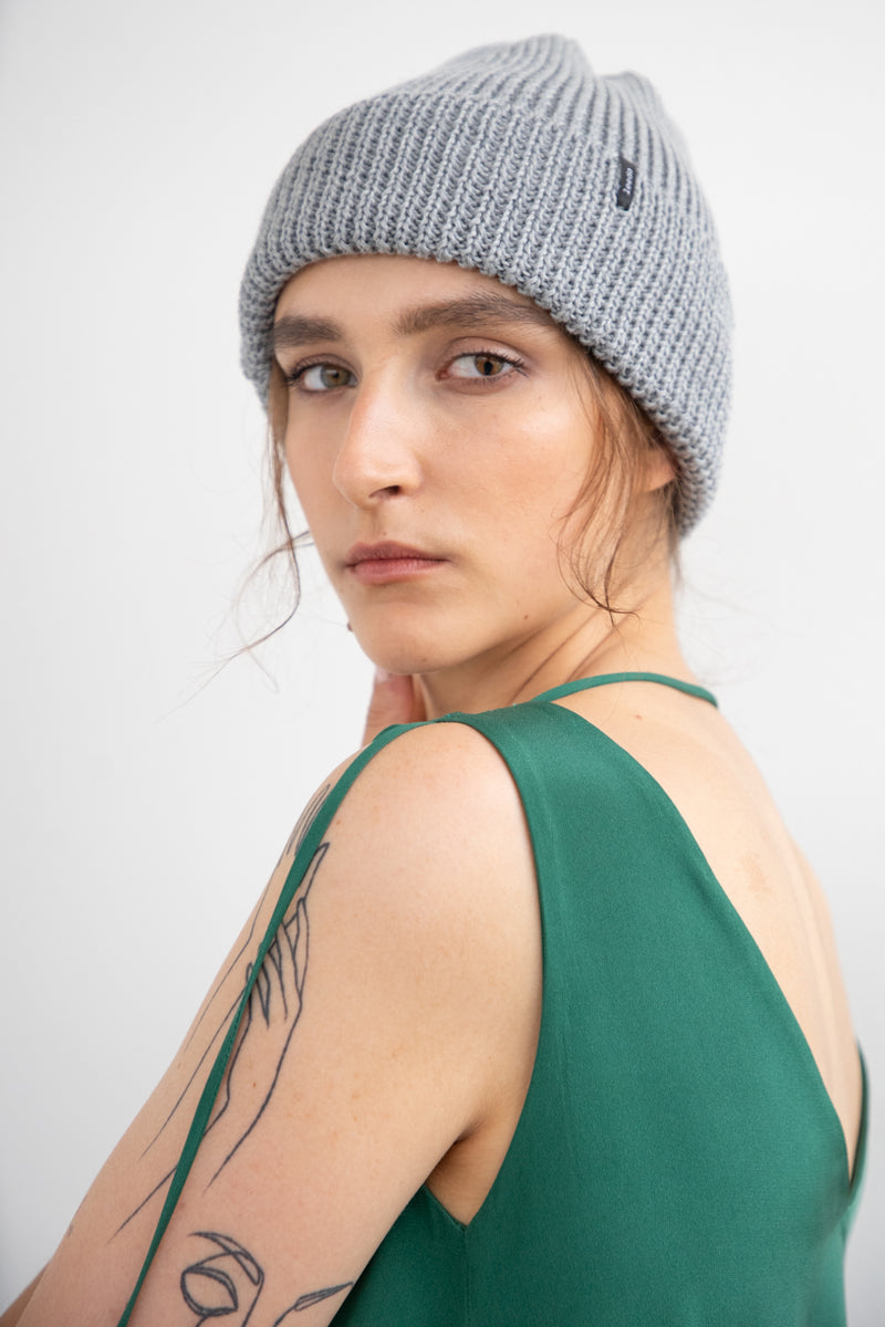 "BEANIE ""TOUCH ME"" - GREY"