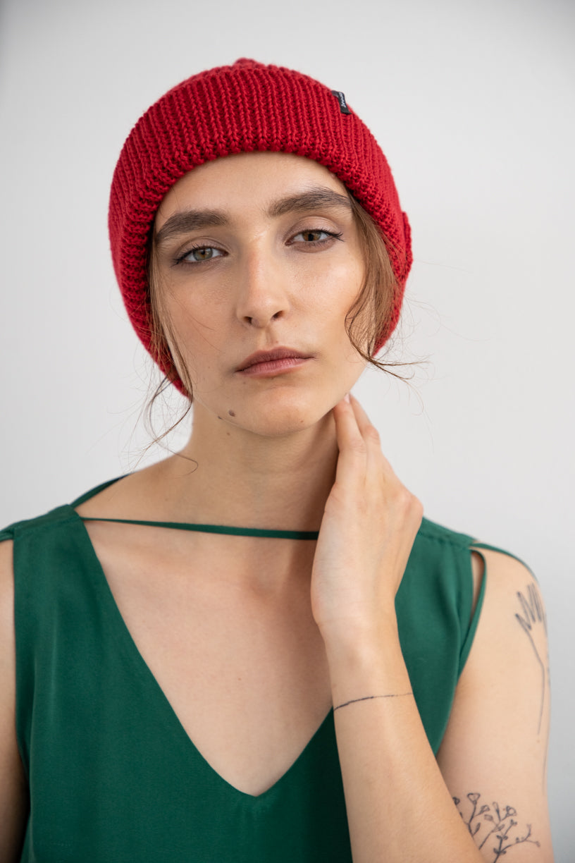 "BEANIE ""TOUCH ME"" - RED"