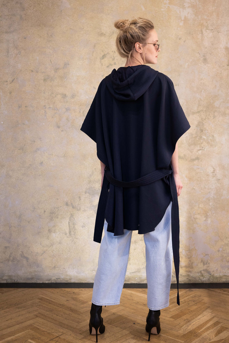 Leeda: coat - WOOL PONCHO