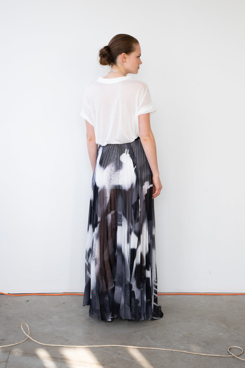 Leeda: skirt - LONG PLEATED SKIRT CATCH ME B&W